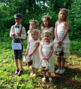 kids in wedding party