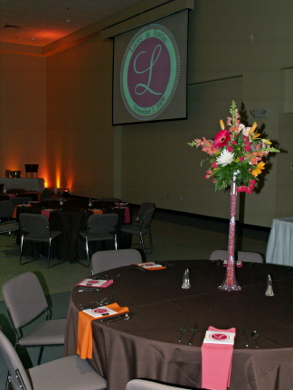 Lacey 39s monogram was echoed throughout her wedding decor